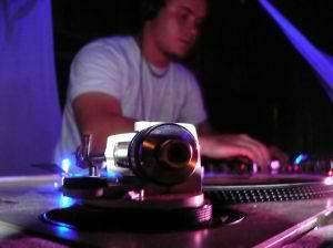 Turntable DJ